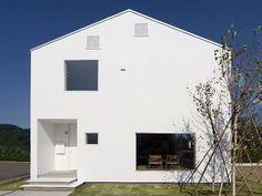いつか住みたいと思っていたのは、三角屋根の白い家でした