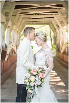 Pittsburgh Weddings   The Barn at Ligonier Valley   Ligonier, PA   Bride + Groom   Florals   www.redoakweddings.com