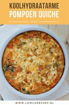 Pumpkin quiche with feta - Today I made a typical fall dish, a pumpkin quiche with feta and spinach. This low-carb quiche is t - I Love Food, Good Food, Low Carb Quiche, Low Carb Recipes, Healthy Recipes, Food Program, Fall Dishes, Quiches, Oven Dishes