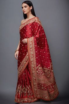 Buy Embroidered Saree with Unstitched Blouse Fabric by Ri-Ritu Kumar at Aza Fashions Indian Bridal Sarees, Indian Bridal Outfits, Pakistani Bridal Wear, Indian Designer Outfits, Indian Beauty Saree, Pakistani Dresses, Cotton Saree Designs, Blouse Designs, Red Saree Wedding