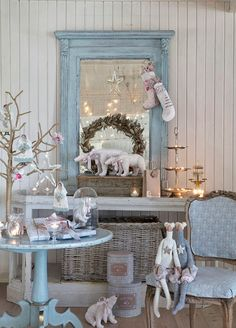 Shabby Chic Home Decor Shabby Chic Romantique, Shabby Chic Blog, Romantic Shabby Chic, Shabby Chic Cottage, Shabby Chic Homes, Shabby Chic Decor, Cottage Farmhouse, Shabby Chic Christmas, Blue Christmas