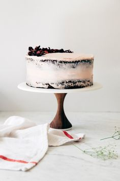 a naked hibiscus chocolate cake - hummingbird high || a desserts and baking blog