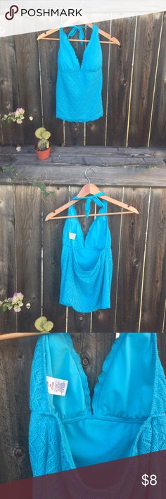 MOSSIMO TANKINI TOP halter SZ MEDIUM BLUE MOSSIMO tankini top- halter style- aqua blue- medium good condition Mossimo Supply Co. Swim One Pieces