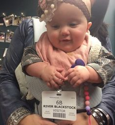 """Pin for Later: 25 Frame-Worthy Photos of Kelly Clarkson's Ridiculously Adorable Daughter, River  """"#wheresmydressingroom? #fallontonight#hashtaghashtag"""""""