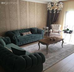 Yeni evlerini eşiyle beraber tasarlamış İlknur hanım. Eşi mobilya üretimi yapıyor; evlerinde tüm mobilyaları da ev sahiplerimizin zevkleri ile, alana uygun tasarlanıp, özel olarak yapılmış. Nostaljik...