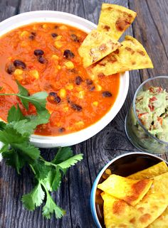 Oppskrift Tacosuppe Sorte Bønner Vegansk Vegetar Sunn Suppe Tacokrydder Tortillachips Hjemmelaget Guacamole Meat And Potatoes Recipes, Meat Sauce Recipes, Meat Loaf Recipe Easy, Easy Healthy Recipes, Vegetarian Recipes, Easy Meals, Tortillas, Vegan Pumpkin Bread, Food For A Crowd