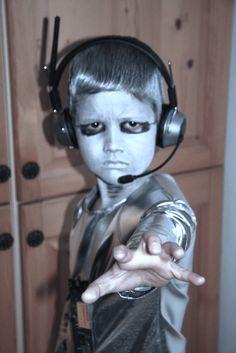 erikrobot raumschiff wache roboter kost m fasching science fiction pinterest. Black Bedroom Furniture Sets. Home Design Ideas