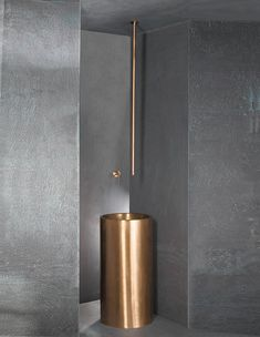 Freestanding Brass Basin with Ceiling Mounted Basin Filler
