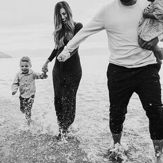 I love them so much ❤️... And I love @tracylayneportraits. Most wonderful and fun experience with her--no one we'd rather walk through crunchy sand with . I want to do it all over again just to spend time with her