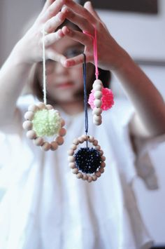 Easy wood bead and pom-pom ornaments for kids to make | Project kid