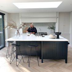 Open Plan Kitchen Dining Living, Open Plan Kitchen Diner, Galley Kitchen Remodel, Living Room Kitchen, Kitchen Room Design, Modern Kitchen Design, Interior Design Kitchen, Kitchen Decor, Bungalow Kitchen