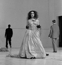 1986 Wuppertal, Pina Bausch Tanztheater:      Two Cigarettes in the Dark, center Mechthild Großmann .