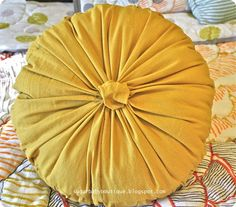 anthro knock off rosette pillow- great website for anthropologie pottery barn knockoff