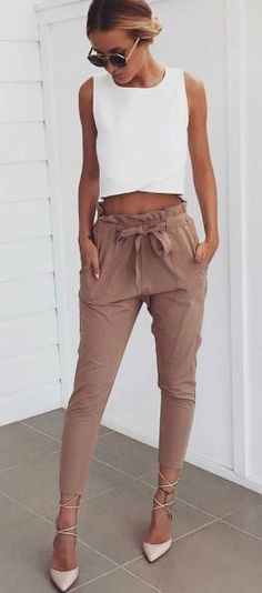 40 Summer And Popular Outfits Of Mura Boutique Australian Label White Crop + Dusty Pink Pants Mode Outfits, Casual Outfits, Fashion Outfits, Womens Fashion, Fashion Trends, Fashion Ideas, Outfit Formal, Outfits 2016, Fashion Advice