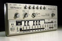 Gracias Por Existir!.  Roland TB 303