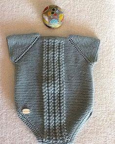 Y esta monería se va para Rafi Diy Crafts Knitting, Knitting For Kids, Crochet For Kids, Baby Knitting, Knit Crochet, Baby Clothes Patterns, Baby Patterns, Onesie Pattern, Baby Sweater Knitting Pattern