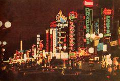 Celles-là, on les connais plus qu'on se l'imagine, c'est la Plaza St-Hubert. Montreal Ville, Of Montreal, Good Old Times, The Good Old Days, Rue Sainte Catherine, St Hubert, Neon Jungle, Expo 67, Vintage Neon Signs