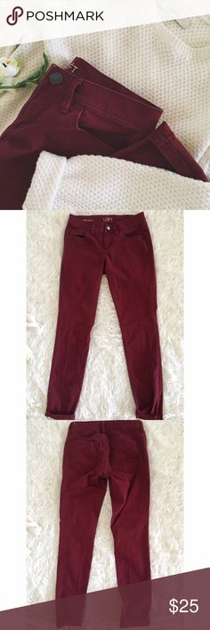 LOFT • Crimson modern skinny chinos •LOFT •Crimson in color •chino style •Modern skinny •Cute when cuffed •No signs of wear noted  •Size: 25/0  •Please see all pics, read description, and ask questions before purchasing   •No Trades• •15% off 2+ Bundle• LOFT Pants Skinny