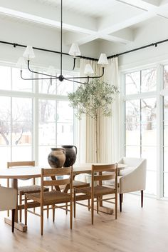 Things We're Glad We Did in Our House + A Few Things We Regret - Studio McGee Best Interior, Interior And Exterior, Exterior Paint, Interior Ideas, Minimalism Living, Dining Room Inspiration, Dining Room Design, Dining Room In Kitchen, Dining Rooms