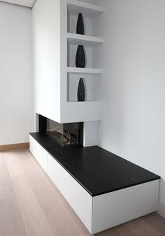 Fireplace, bay, closet Source by giorgioberaldo Corner Gas Fireplace, Home Fireplace, Modern Fireplace, Living Room With Fireplace, Fireplace Design, Home Living Room, Living Room Decor, Modern Wood Burning Stoves, Minimalist Fireplace
