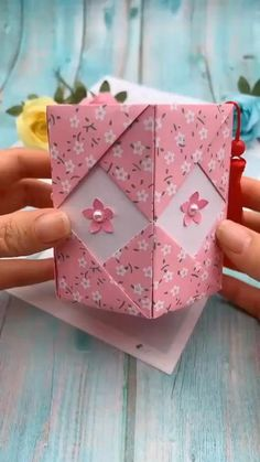 Paper Flowers Craft, Paper Crafts Origami, Paper Crafts For Kids, Paper Crafting, Origami Flowers, Flower Crafts, Diy Paper Box, Diy Wallet Paper, Handmade Paper Boxes