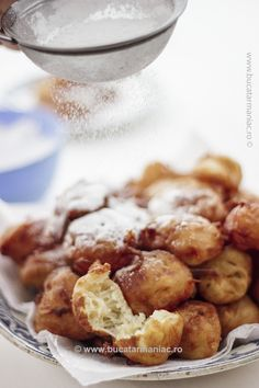 Gogosi rapide cu iaurt • Bucatar Maniac • Blog culinar cu retete Pretzel Bites, My Recipes, Potato Salad, Deserts, Sweets, Bread, Vegetables, Ethnic Recipes, Blog