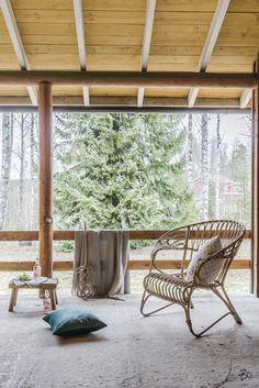 REMONTTITAITOISELLE - TONTTI + PURETTAVA OKT? PÄÄTÄ SINÄ! Hehtaarin tontti Järvenpään ja Tuusulan rajalla, Purolassa. Lähes koko tontti pelkkää metsää, rakennuksen ympärystä vähän vähemmällä puulla. Tontilla sijaitsee vuonna 1957 rakennettu omakotitalo, jota on laajennettu vuonna 1970 ja joiltain osin myös remontoitu vuosien saatossa. Tervetuloa tutustumaan! Soita: Mia Lehtonen 0400 369 666 mia@bo.fi