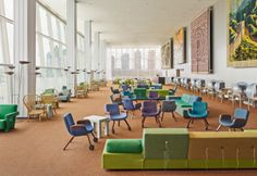 I nuovi interni dellaNorth Delegates' Lounge delle Nazioni Unite a New York. Design di Hella Jongerius insieme a Rem Koolhaas, Irma Boom, Gabriel Lester e Louise Schouwenberg