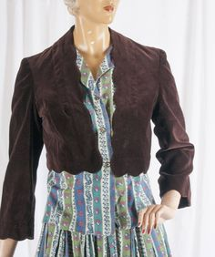 1970s brown velvet Bolero style jacket w/ scalloped details. Classy, clean, retro, versatile. by TessiesOldOddities on Etsy