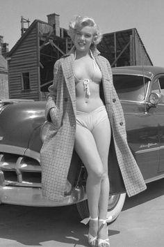 Marilyn era la mujer ideal, su cuerpo, su dulce vocecita, la manera de moverse, su mirada entre tímida y complaciente. Toda una explosión de feminidad.