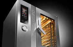 The combi oven that multiplies your cooking options - Combistar FX is the full line of state-of-the-art combination ovens that guarantees high quality and versatility in cooking together with ease of use and energy savings. The new functions that allow you to manage simultaneously up to 20 different cooking processes, the innovative accessories to smoke and pasteurize and the self-cleaning function, completely automatic and 100% safe.
