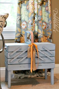 Vintage sewing basket...I have one of these and I'm doing this to it!