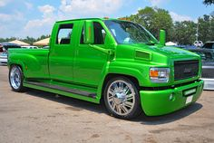CUSTOM CHEVY 4500   ... FORCE® - SHIFT DUALLY with Adapter Polished on Chevy C4500 Kodiak