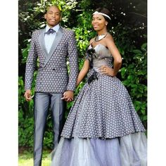 Latest Shweshwe Traditional Dresses for Bridesmaids 2016 & Accessories - Reny styles African Traditional Wedding, African Traditional Dresses, Traditional Wedding Dresses, Modern Traditional, Traditional Outfits, Mode Wax, Shweshwe Dresses, African Dresses For Women, African Attire