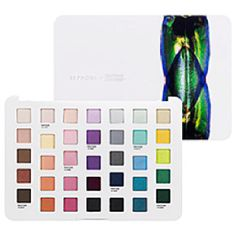 Jane says I love this gorgeous palette from the Pantone and Sephora collaboration. Not only is it a stellar palette, with some incredible shades, but it represents the very best of collaborative beauty.
