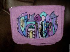 Купить валяная сумка по мотивам работ художников студии Корн - брусничный, рисунок, кот