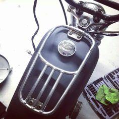 Harley davidson sportster tank rack motolady