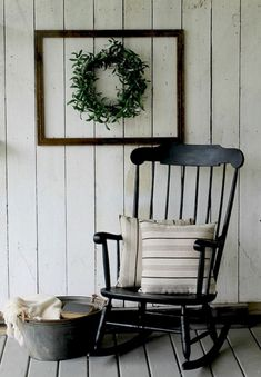 18 Insane Farmhouse Porch Decorating Ideas