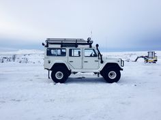 Land Rover defender 110 ICELAND off road 4x4 90 white