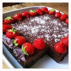 Vegan Sweet Potato Chocolate Fudge   Recipe here: https://thekitchentherapy.wordpress.com/2016/01/10/sweet-potato-almond-fudge/  Follow me on Instagram: passion.ista