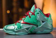 "Nike LeBron XI ""Christmas"" (Release Reminder & Detailed Pics)"