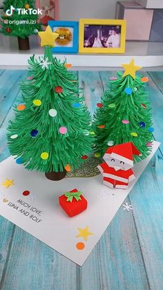 Christmas Arts And Crafts, Handmade Christmas, Halloween Crafts, Holiday Crafts, Christmas Diy, Christmas Cards, Christmas Tree Paper Craft, Christmas Decorations Diy Easy, Pinecone Crafts Kids