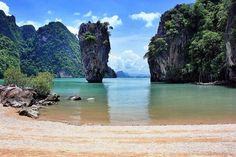 James Bond Island tour including sea kayaking and Muslim fishing village for 1200 per person