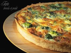 tarte brocoli et poulet Savory Breakfast, Breakfast Recipes, Snack Recipes, Cooking Recipes, Pizza Tarts, Salty Foods, Love Eat, Special Recipes, Snacks