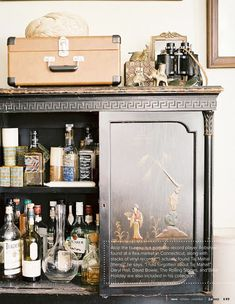 Chinoiserie Chic: A Chinoiserie Bar for the New Year