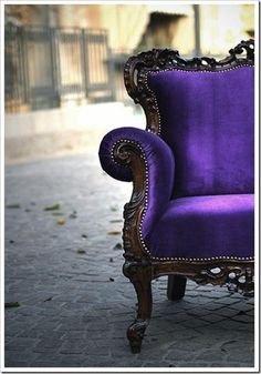 Purple. Vintage. City. Lovely! Inspiration for #purple #gems