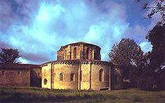 Cabecera de la iglesia del Monasterio cisterciense de Gradefes