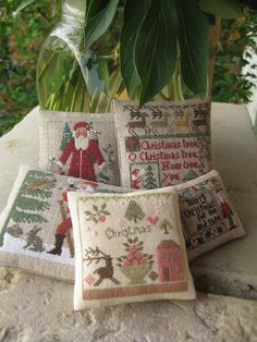 Love the Christmas-theme pincushions!