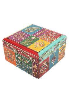 beautiful.quenalbertini: Pretty wood box | img_6329:
