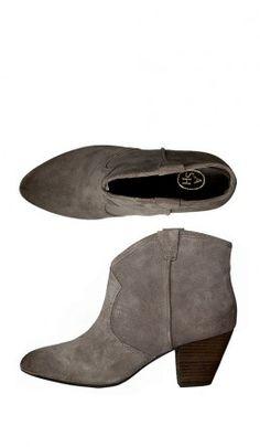 b530dbaacab 16 imágenes magníficas de Zapatos negros tacón pequeño